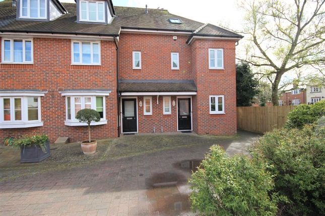 Thumbnail Semi-detached house to rent in Vintner Road, Abingdon