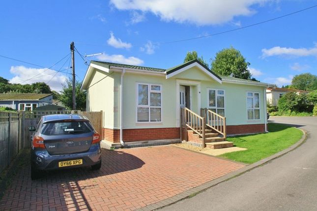 Mobile/park home for sale in Green Road, Shillingford Hill, Wallingford