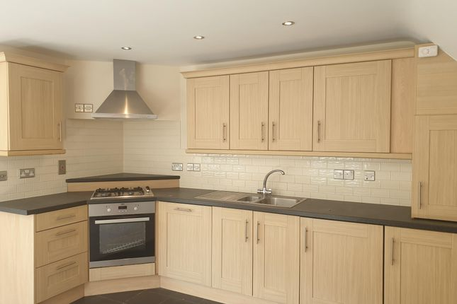 Thumbnail Flat to rent in Winchester Road, Bishops Waltham, Southampton