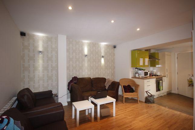 Thumbnail Room to rent in Elcho Street, Preston