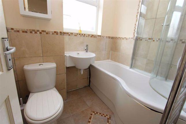 Bathroom of Onslow Close, North Chingford, London E4