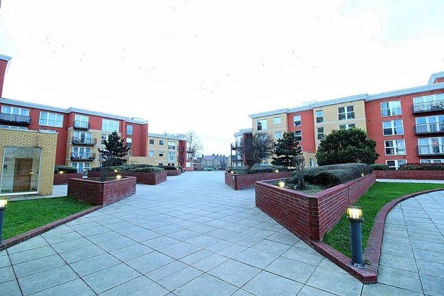 Flat for sale in Monarch Way, Ilford