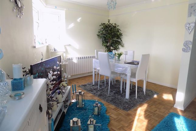 Thumbnail Flat to rent in Holly Place, Eastbourne