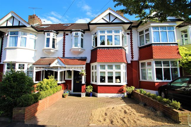 Beautiful Three Bedroom Property In Buckhurst Hill