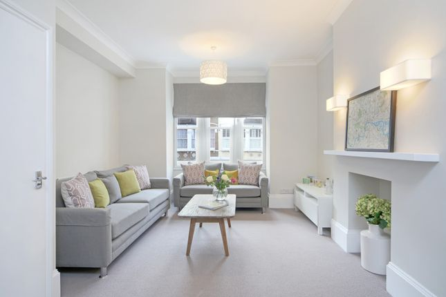 Thumbnail Flat to rent in Munster Road, Parsons Green, London