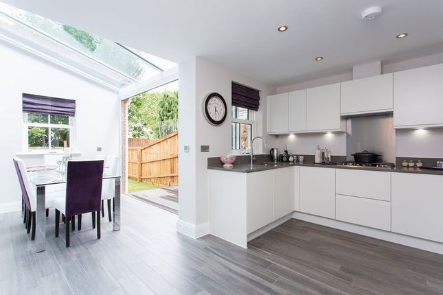 Thumbnail Terraced house for sale in Station Approach, Marlow