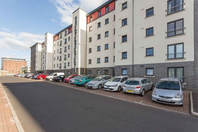3 bed flat for sale in Tinto Place, Bonnington, Edinburgh