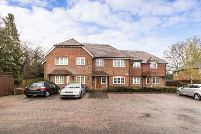 Thumbnail Flat to rent in Torleven Heights, Binfield