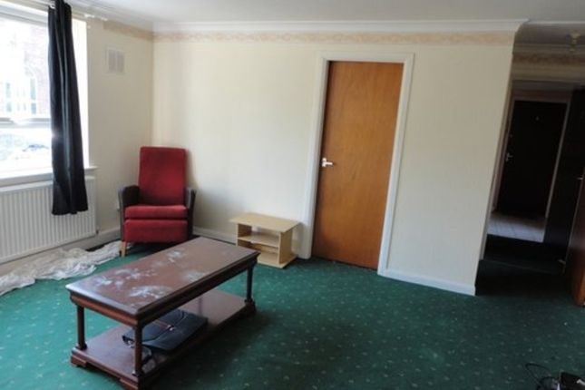 Thumbnail Flat for sale in Ashleigh Road, Leicester