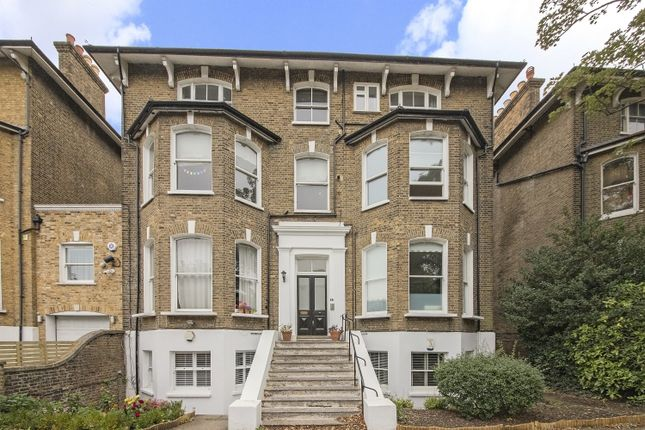 Thumbnail Flat to rent in Charlton Road, London