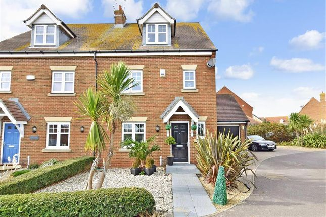 Thumbnail Town house for sale in Hunnisett Close, Selsey, Chichester, West Sussex