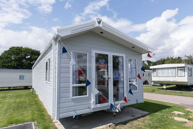 Thumbnail Mobile/park home for sale in Colchester Road, St. Osyth, Clacton-On-Sea