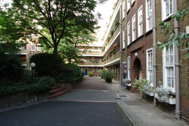 Flat for sale in Vicarage Crescent, London