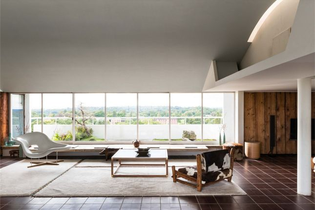 Thumbnail Flat for sale in The Penthouse, Highpoint II, North Hill, London