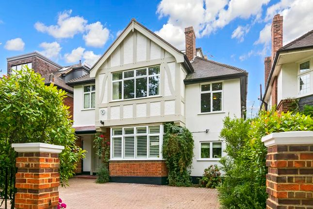 Thumbnail Detached house for sale in Queens Road, Richmond