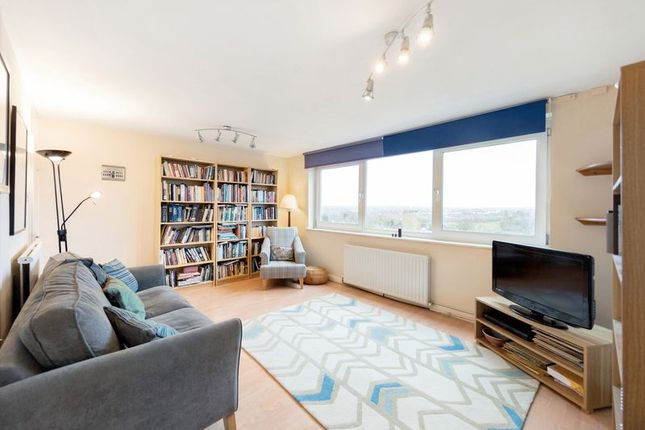 Sitting Room of Lydney Close, London SW19