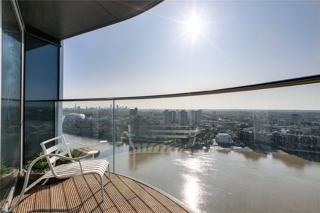 Thumbnail Flat for sale in Chelsea Waterfront, Tower West, One Waterfront Drive, London
