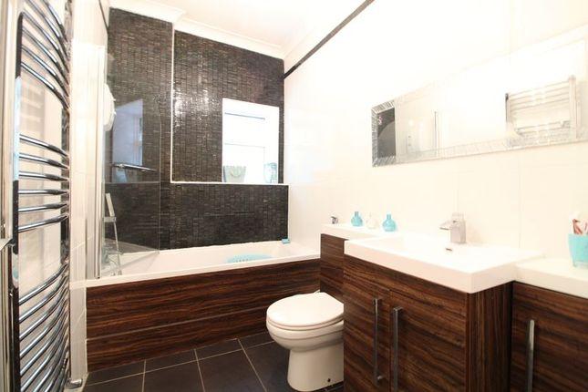 Bathroom of Studley Road, Luton LU3