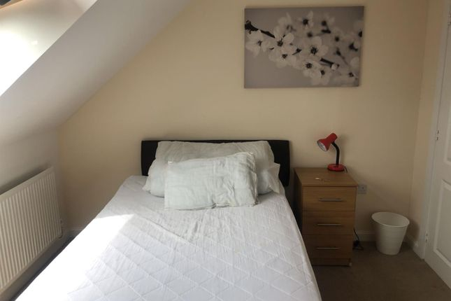 Thumbnail Room to rent in Room 3, Appledore Drive