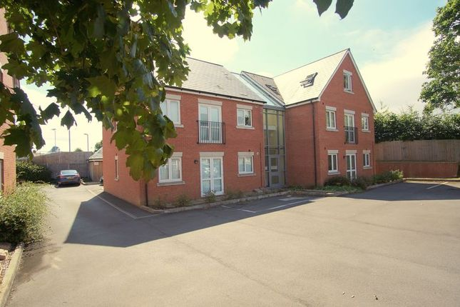 Thumbnail Flat for sale in Bloomfield Terrace, Linden, Gloucester