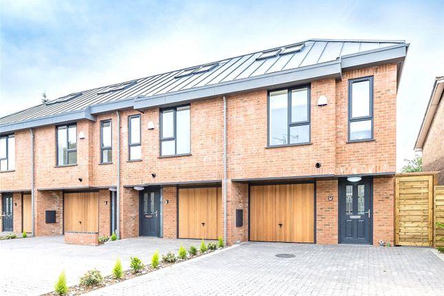 Thumbnail Terraced house to rent in Windmill Street, Bushey Heath, Hertfordshire