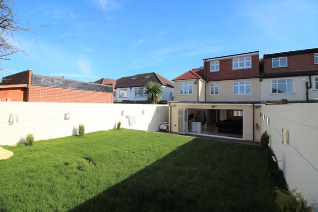 View Of Rear of Shaftesbury Avenue, Norwood Green UB2
