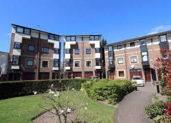 Thumbnail Terraced house to rent in Barnfield Place, Canary Wharf, London