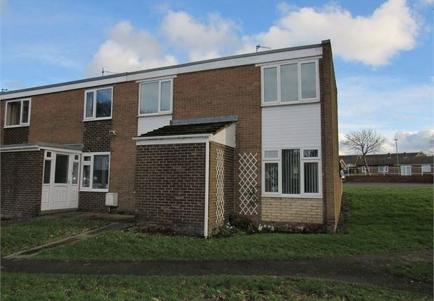 Thumbnail Semi-detached house to rent in Garesfield Gardens, Burnopfield, Newcastle Upon Tyne.