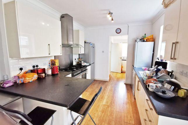 Kitchenlounge_c of Mackintosh Place, Roath, Cardiff CF24
