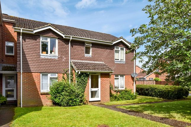 Thumbnail Flat to rent in Mimosa Close, Lindford, Bordon