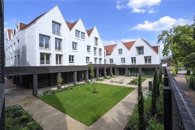 Thumbnail Flat to rent in 23A Leyton Road, Harpenden, Hertfordshire