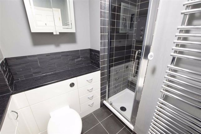 Shower Room of Bell-Reeves Close, Stanford-Le-Hope, Essex SS17