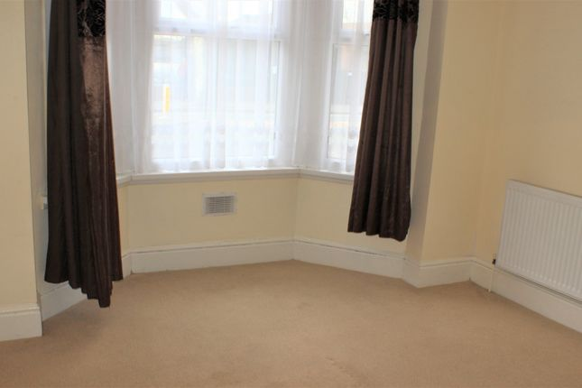 Thumbnail Flat to rent in Prince Regents Lane, Plaistow