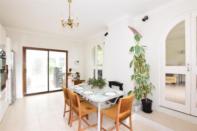 Thumbnail Bungalow for sale in Pelham Road, Ventnor, Isle Of Wight