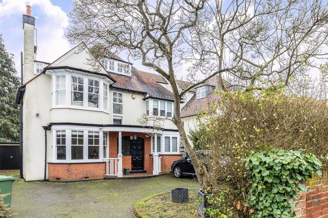 5 bed property to rent in Wolsey Road, East Molesey KT8