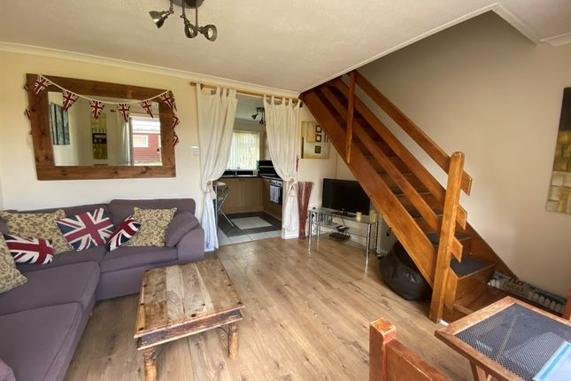 3 bed mobile/park home for sale in Newport Road, Hemsby, Great Yarmouth NR29