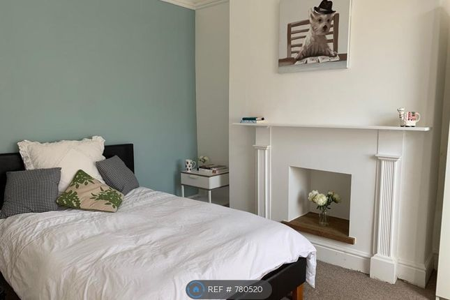 Thumbnail Room to rent in Herbert Street, Taunton