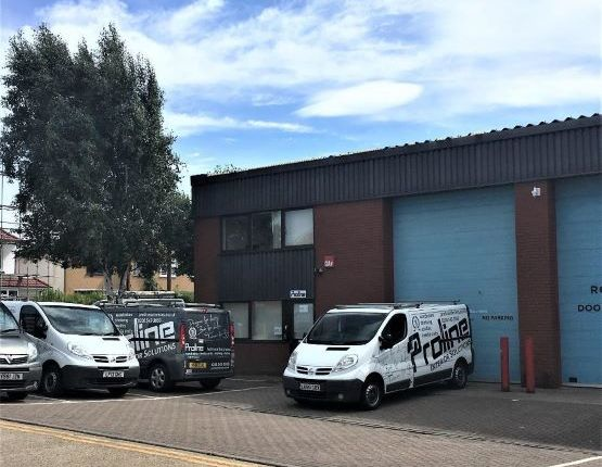 Thumbnail Warehouse to let in Unit 7 Kingston Business Centre, Chessington