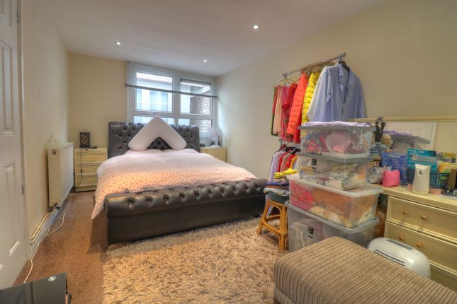 Master Bedroom of Bondman Close, Leicester LE4