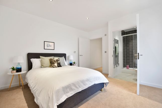 Thumbnail Flat for sale in 10 Blossom House, 5 Reservoir Way, London