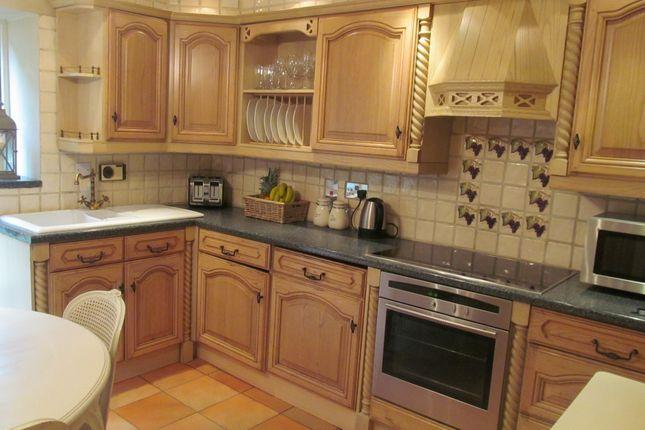 Dining Kitchen of Bradshaw Brow, Bradshaw, Bolton, Lancs BL2