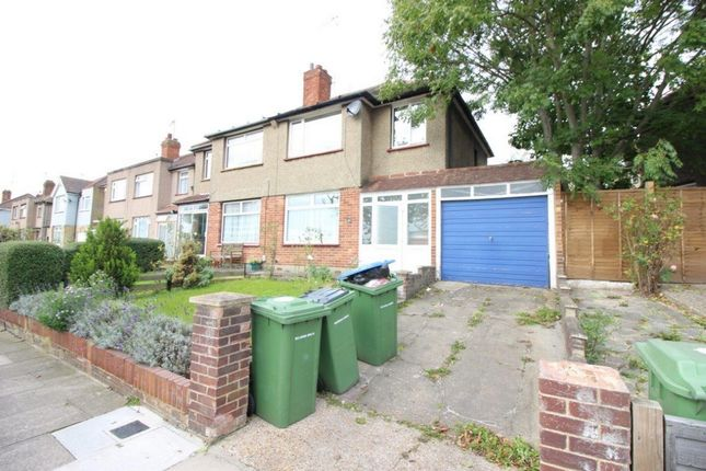 Thumbnail Terraced house to rent in Swingate Lane, Plumstead