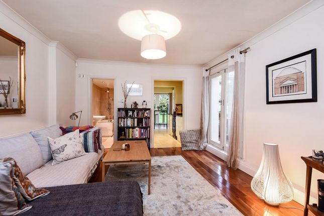 Thumbnail Flat for sale in Cromwell Avenue, Highgate N6,
