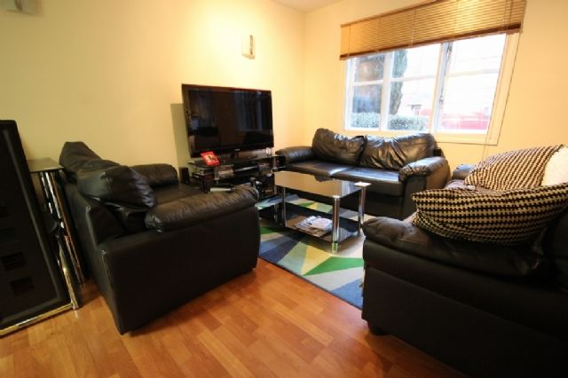 Thumbnail Flat to rent in Anderson Close, Acton, London