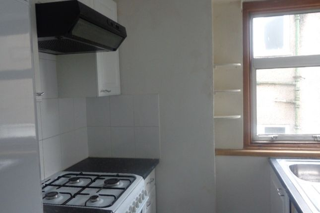 Thumbnail Flat to rent in Selkirk Ave, Cardonald, Glasgow