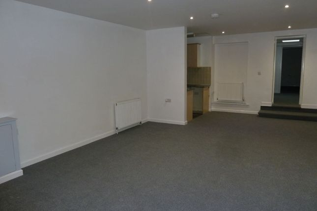 Thumbnail Flat to rent in New North Road, Exmouth