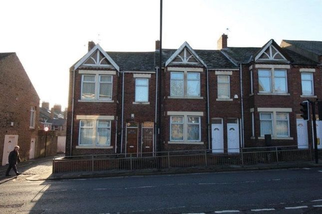 Thumbnail Flat to rent in Station Road, Gosforth, Newcastle Upon Tyne