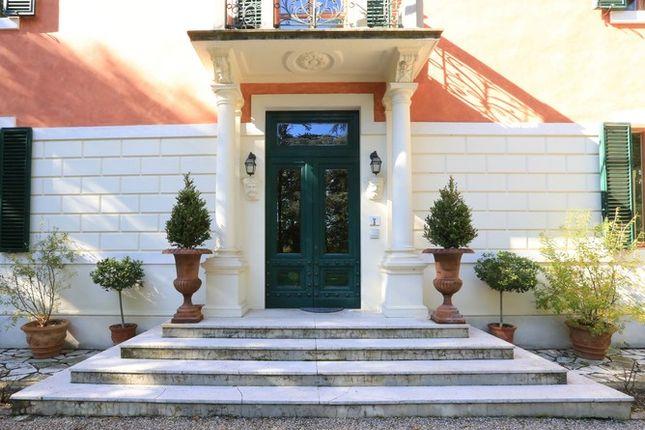 Front Door 2 of Villa Prosperini, Calzolaro, Citta di Castello, Umbria