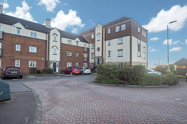 2 bed flat to rent in Axholme Court, Victoria Dock, Hull HU9