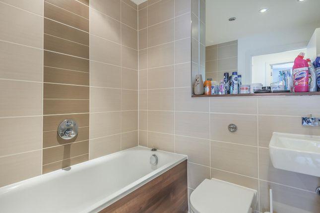 Bathroom of Heron House, Rushley Way, Reading RG2